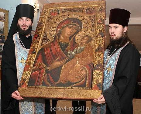 Иверская икона, ныне список находится в Воскресенской церкви в Сокольниках.